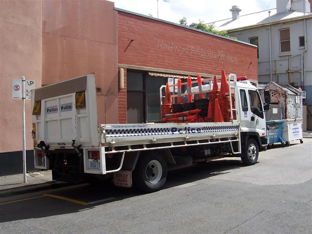 Image: 0509-as2_isuzutruck_02